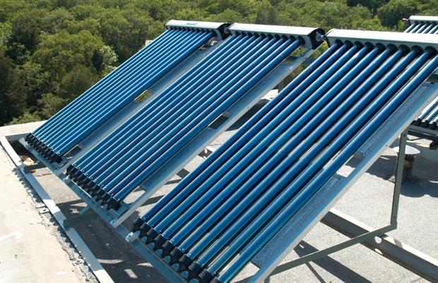 Zonneboiler installatie plat dak